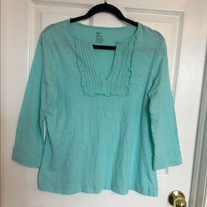 Women's Gap smocked top with 3/4 length sleeves.